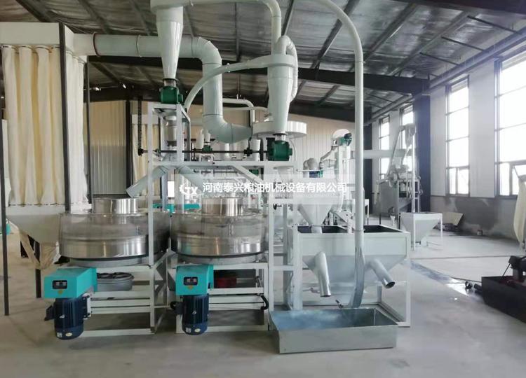 鹤壁淇县双组石磨面粉机械安装案例