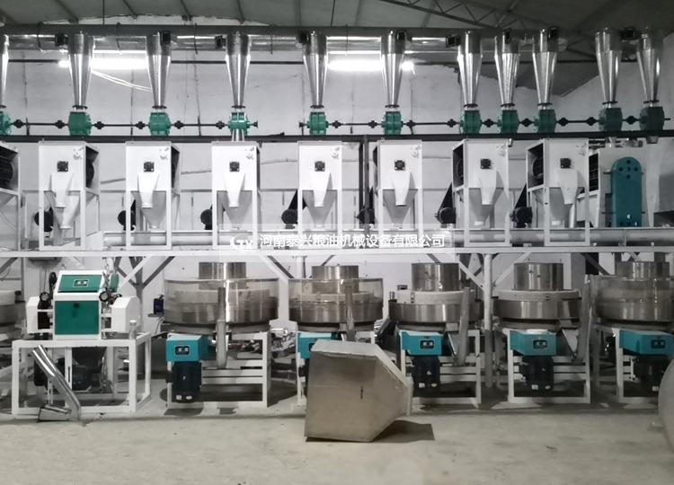 河南辉县6+2石磨生产线正在安装中